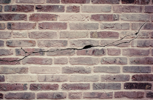 Cracks in walls and what they mean