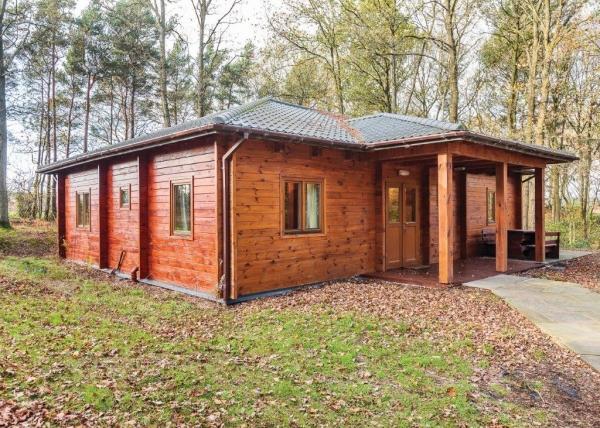 Local couple acquires Ellesmere woodland lodge site